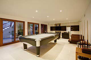 professional pool table movers in Fresno content img1